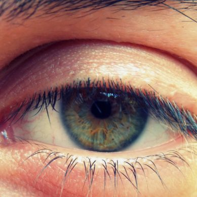 Natural Eye Care Exercises You Can Do Right Now To Reduce Eye Strain