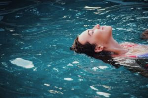 3 tips to save water in the pool this summer