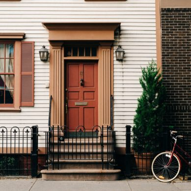 Tips for choosing a new front door