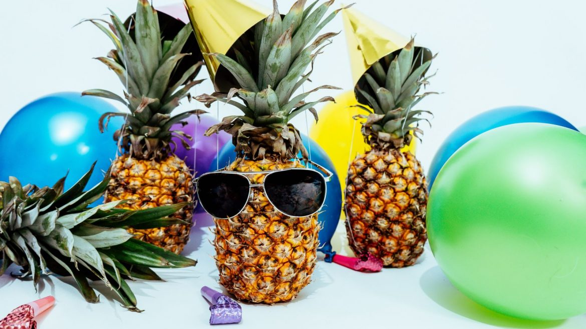 8 essentials for hosting any themed party