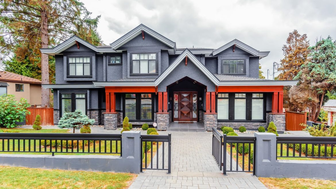 What are the advantages of buying a new house?