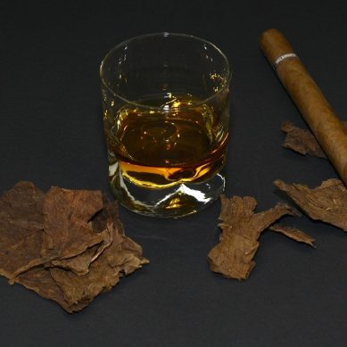 If you want to quit smoking, you should also think about quitting alcohol