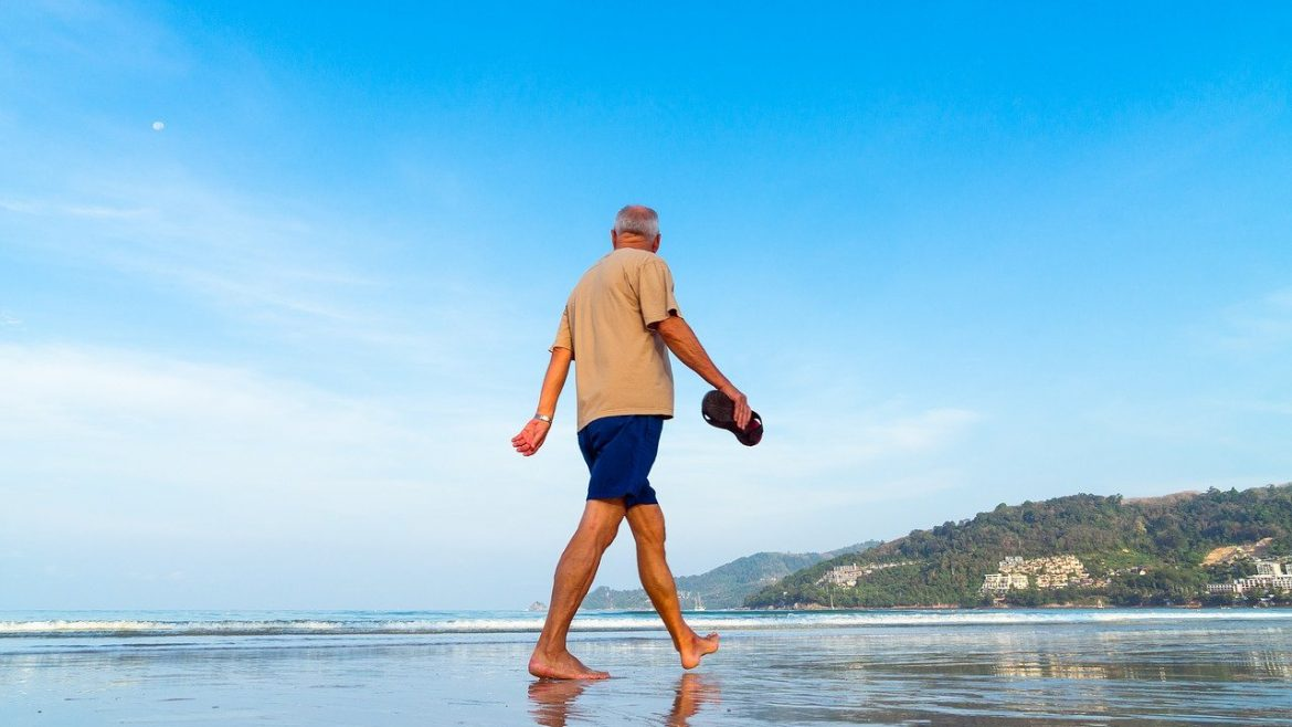Exercises for older people: 4 ideas to help our seniors move