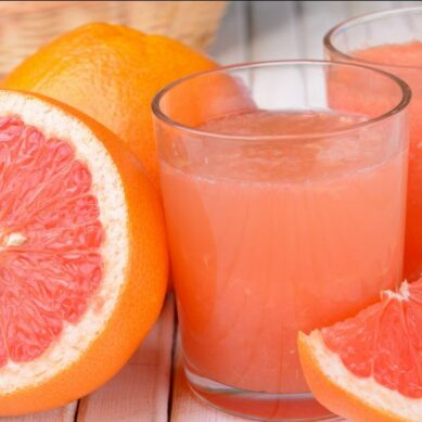 The fruit juice that you should not combine with certain drugs: these are its dangers to health
